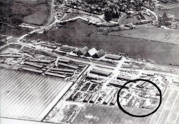 Luchtfoto van het gebied Vollenhove (Smolensk is omcirkeld)